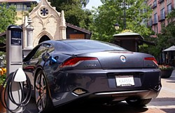Fisker Karma am ChargePoint in San Diego